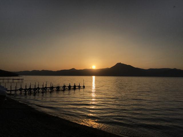 樽前山に沈む夕日